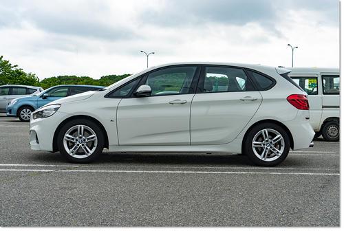BMW218-03.jpg