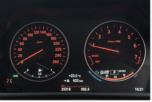 BMW218-04.jpg