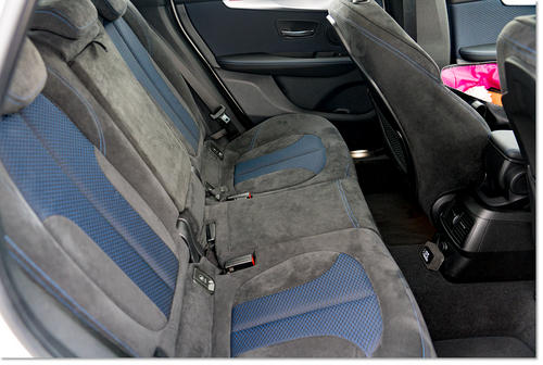 BMW218-06.jpg