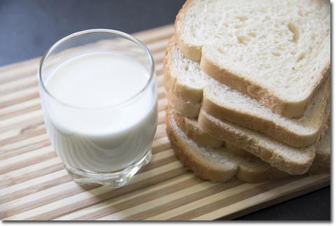 牛乳やパンは体に悪い